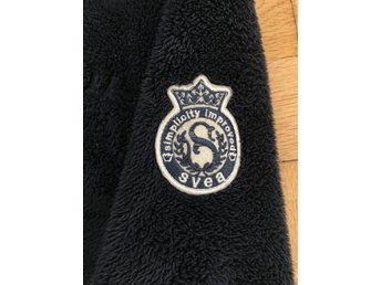 SVEA marinblå fleece jacka storlek 150