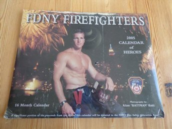 FDNY Firefighters Kalender 2005 oöppnad