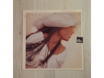 BRENDA RUSSEL - KISS ME WITH THE WIND. (NEAR MINT LP)