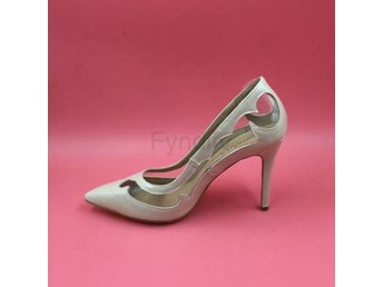 Damsko Pumps Nude Patent Leather Pointed Nude Size 37.5
