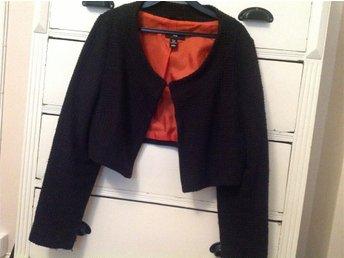 Bolero jacka från H&M storlek 46 svart Retro look så fin!!! - Mariestad - Bolero jacka från H&M storlek 46 svart Retro look så fin!!! - Mariestad
