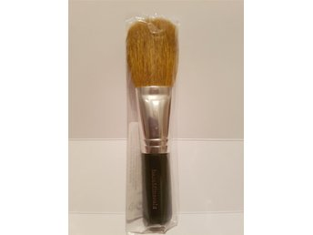 Helt Ny bareMinerals  Flawless Application Face Brush