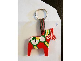 Nyckelring dalahäst (340570888) ᐈ Köp på Tradera 1b9462058c7c1