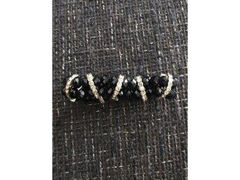 Svart och strass armband (341630679) ᐈ Köp på Tradera 5874bc1a7d2ab