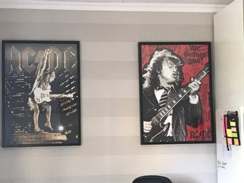 Två stora ACDC POSTERS med ANGUS YOUNG - Nora - Två stora ACDC POSTERS med ANGUS YOUNG - Nora