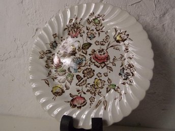Johnson Brothers Staffordshire Bouquet - Mattallrik 25cm