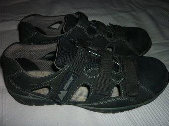 sandaler med stålhätta