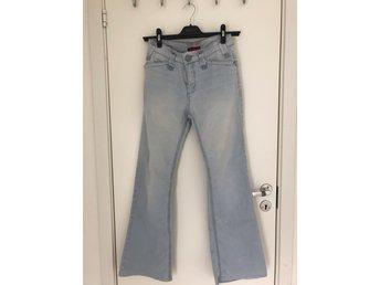 d1556dfdd267 Whitney Bootcut jeans (346974143) ᐈ Köp på Tradera