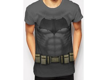 BATMAN VS SUPERMAN - BATMAN COSTUME T-Shirt - Medium
