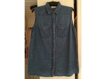 5f434955ecf0 Jeansväst skjorta blå stl 44, se mått!! John Ba.. (355908246) ᐈ Köp på  Tradera