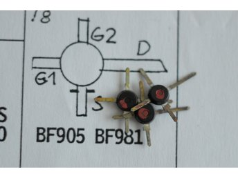 3 st BF 905  MOSFET Transistor N Chan. LOW-NOISE RF BROADBAND AMPLIFIERS.