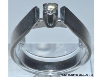 1 solitär ring vitg 0,07 ct 18k 3,8 gr Ø 17,25 mm B 2-4 mm, V9606