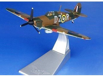 Spring Sale! Corgi Hawker Hurricane - Batle of Britain - 1/72 scale - 1-kronas!