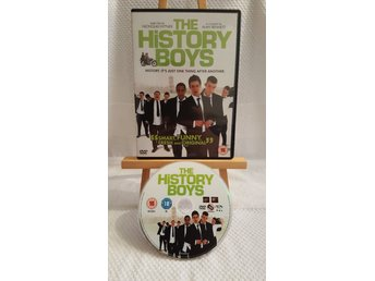 """The History Boys (Samuel Anderson, James Corden, 2006) EJ Svensk text - DVD - Luleå - Mycket fint skick. Engelsk pal 2-utgåva med engelskt tal och engelsk text.""""A warm British comedy about the purpose of education and the anarchy of youth. A class of undisciplined, smart and funny history students actively pursue an undergraduate - Luleå"""