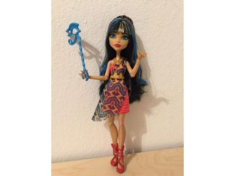 Monster High Cleo de Nile - Dance the Fright Away docka