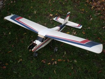 "RC-FLYGPLAN ,  ~ CESSNA ""177"",   ""ALMOST  READY TO FLY"" ,   SP-VIDD CA  133 cm"