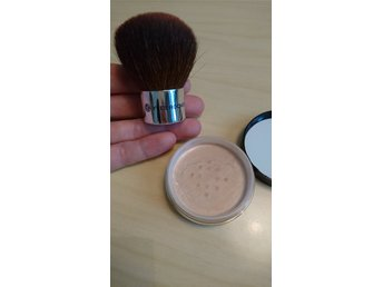Yves Rocher foundationpuder kabukiborste
