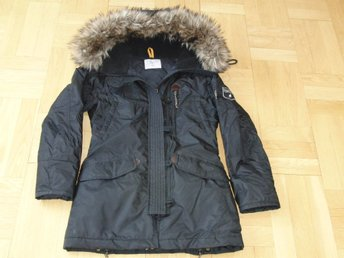 Peak Performance parka MILDRED J svart dam strl. M