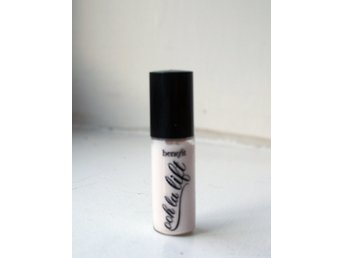 Benefit Ooh la lift minisize Under eye brightener