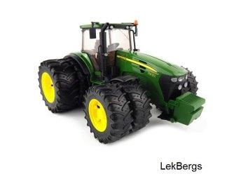 BRUDER Traktor John Deere 7930 - Höganäs - BRUDER Traktor John Deere 7930 - Höganäs