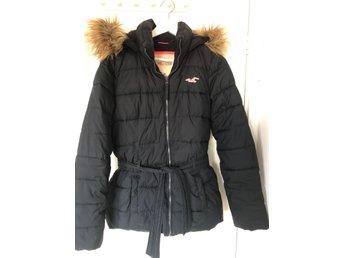 Marinblå vinterjacka Hollister (385596651) ᐈ Köp på Tradera