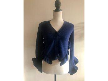 Oanvänd tröja kofta i ullmix i blått