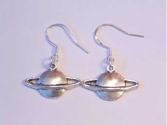 Saturnus örhängen / Saturn earrings