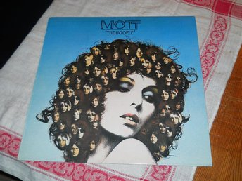 MOTT THE HOOPLE--The hoople.    LP