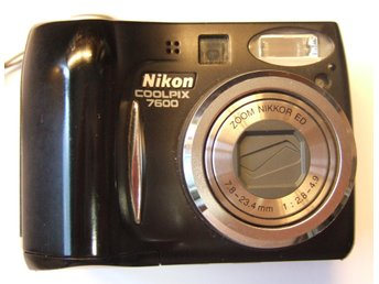 Nikon COOLPIX 7600 7,1 MPX Digitalkamera