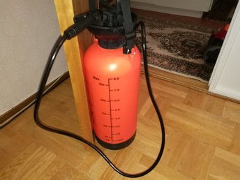 8 .L   SPRAYER  FOR HOME AND GARDEN