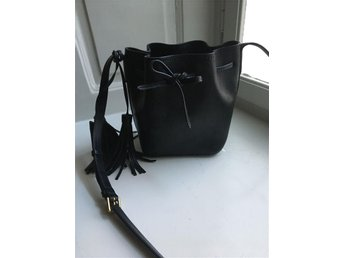 Bucket bag crossover black