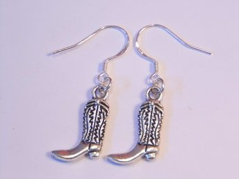 Känga örhängen / Boot earrings