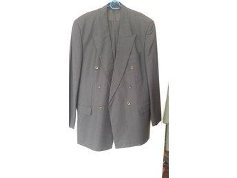 Hugo Bosse supersnygg kostym märkt grå färg strl 44/446 - Eslöv - Hugo Bosse supersnygg kostym märkt grå färg strl 44/446 - Eslöv