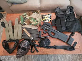 Airsoft P90 G&G Kit extra magasin och batteri