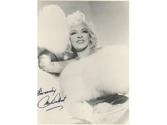 MAE WEST AMERICAN ACTRESS SINGER COMEDIAN SEX SYMBOL Preprinted Autograf