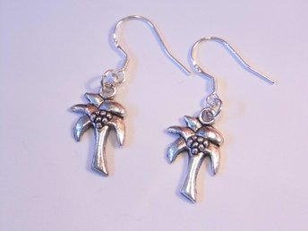 Palmträd örhängen / Palm tree earrings