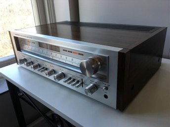 Pioneer SX-750 AM/FM Stereo Receiver