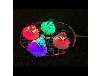4st LED Badmintonbollar badminton Goose Feather Fri Frakt Helt Ny
