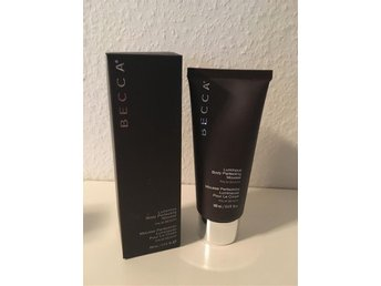 BECCA LUMINIOUS BODY PERFECTING MOUSSE NY från Sephora