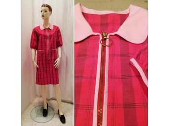Vintage retro röd klänning vita prickar avskuren under