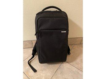 Incase Icon MacBook ryggsäck i nyskick (380585638) ᐈ Köp på