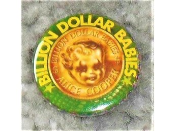 ALICE COOPER - 3,5 cm - Billion Dollar Babies - Badge/ Pin/ Knapp (Kiss, Dolls,)