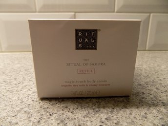Helt ny bodylotion Rituals The ritual of sakura 200 ml