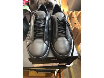 Hugo Boss Mercedes Limited Edition Size 44 for 1099 SEK brand new nypris 2900sek