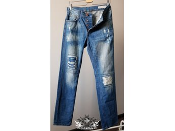 ADRIAN HAMMOND DESTROYED DENIM JEANS