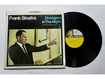 ** Frank Sinatra ‎– Strangers In The Night**