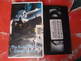 THE HOUSE BY THE CEMENTARY, VHS, SVENSKT TEXT, RYSARE, FILM