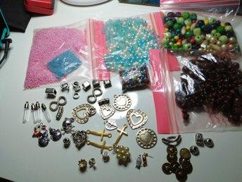 pärlor och berlocker
