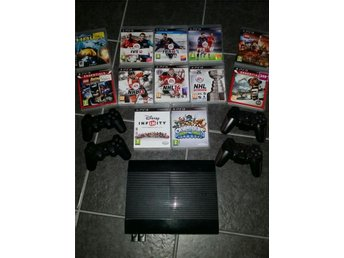 Playstation 3 superslim. 12 spel och 4 handkontroller.