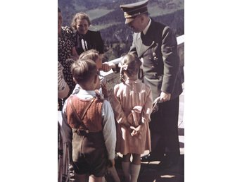 World War II Tredje Riket Adolf Hitler with Children at the Berghof Color Foto